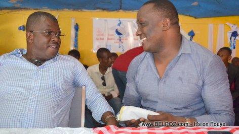 Candidat Rony Celestin ak Willot Joseph nan yon rankont nan Mirebalais