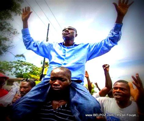 Moise Jean Charles nan Manifestation