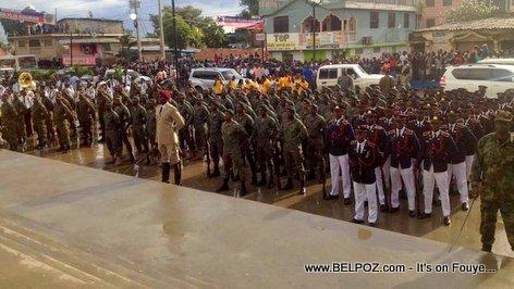 18 Novembre 2017 - Les Forces Armées d'Haiti au pied du monument de Vertières