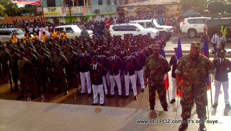 PHOTO: Les Forces Armees d'Haiti au pied du monument de Vertieres, 18 Novembre 2017, Cap-Haitien