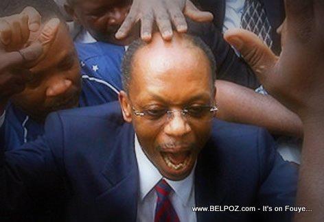 President Aristide Kontan, tout moun ap manyen li...