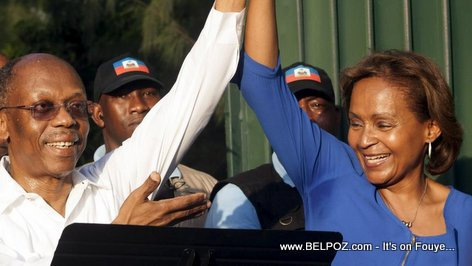 PHOTO: Haiti Elections - President Aristide di Pep la VOTE Maryse Narcisse