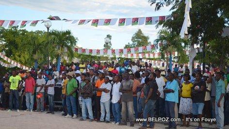 Haiti Elections - Moun Hinche Rasanble pou akeyi Moise Jean Charles, Candidat a la Presidence...