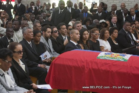 Lantèman Jean Claude Duvalier - Michele Bennett ak Veronique Roy chak yon bò