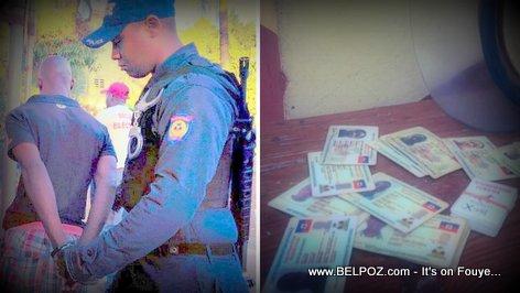 Haiti Jou Election - La Police ARETE yon Neg yo kenbe ak 15 Kat Electoral