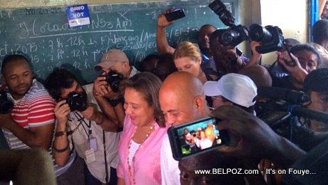Haiti Jou Election - President Martelly Soti Ale Vote, La Presse Anvayi li...