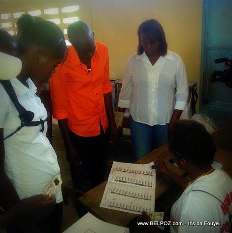 Haiti Elections - Candidat JOVENEL Moise Vote nan Trou du Nord