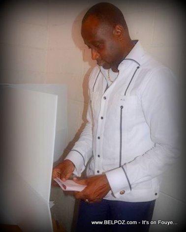 Haiti Elections - Mario Andresol k ap Vote...