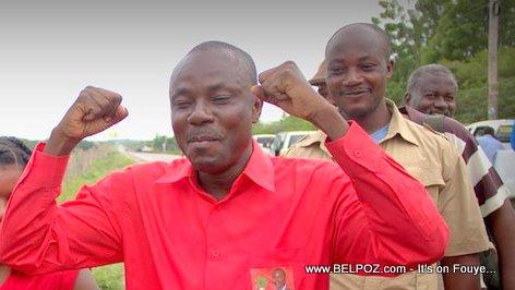 PHOTO: Haiti - Candidat Moise Jean Charles Santi bagay yo bon nan men li
