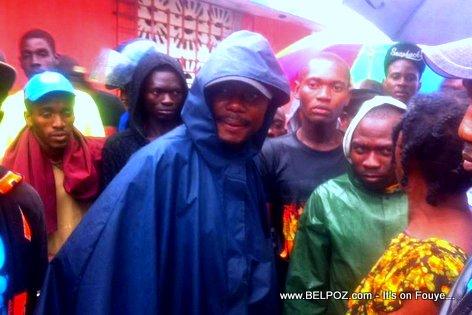 PHOTO: Haiti: Senateur Moise Jean Charles Pran lari nan yon Cap Haitien Inondée