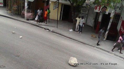 PHOTO: Haiti Manifestation sou wout NAZON, Gwo wosh ap voye!