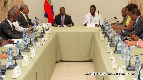 PHOTO: Haiti - Jocelerme Privert en Conseil des Ministres - Palais National